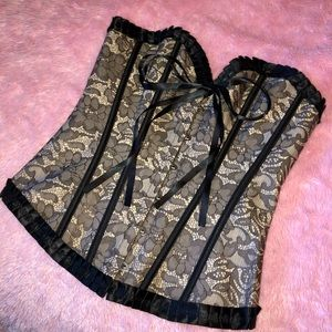 Nwot black & cream lace corset shapewear M
